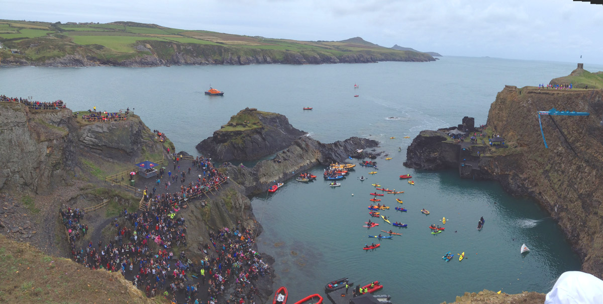 Redbull cliff diving Wales Saterday